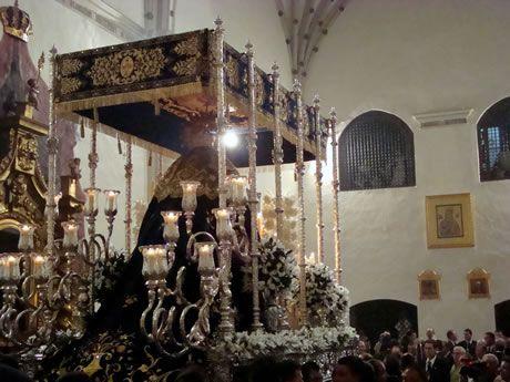 Palio de Nuestra Señora del Rosario de Torredonjimeno en el interior del Convento de las Dominicas
