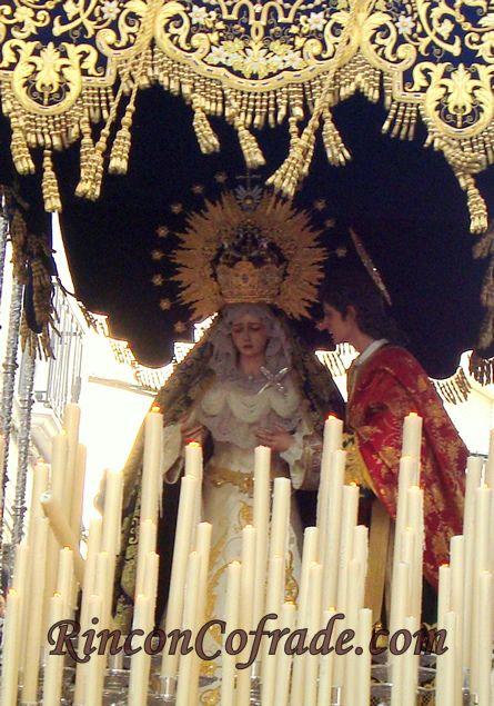 Imagen de la Virgen de los Desamparados y San Juan Evangelista - Martos