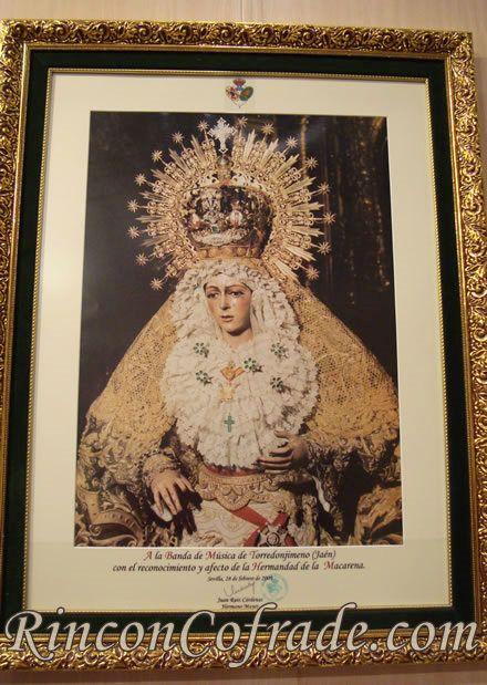 Cuadro de la Esperanza Macarena, entregado a la Banda de Música de Torredonjimeno en motivo del Concierto que ésta interpreto en la Basílica de la Macarena